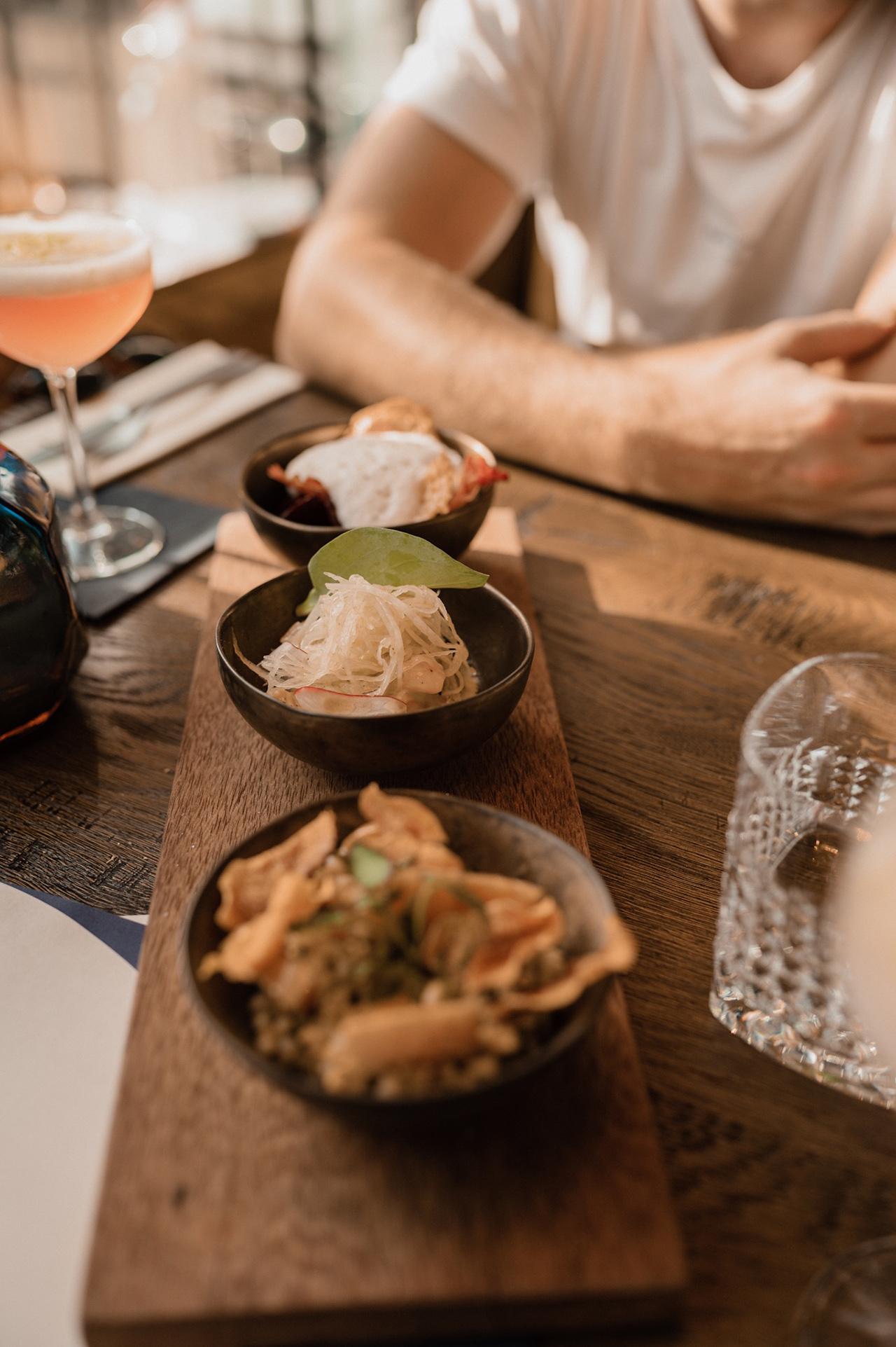 noon-maastricht-interior-restaurant-food-shared-dining